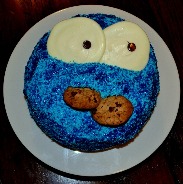 Cookie Monster Cake - www.heikeherrling.com