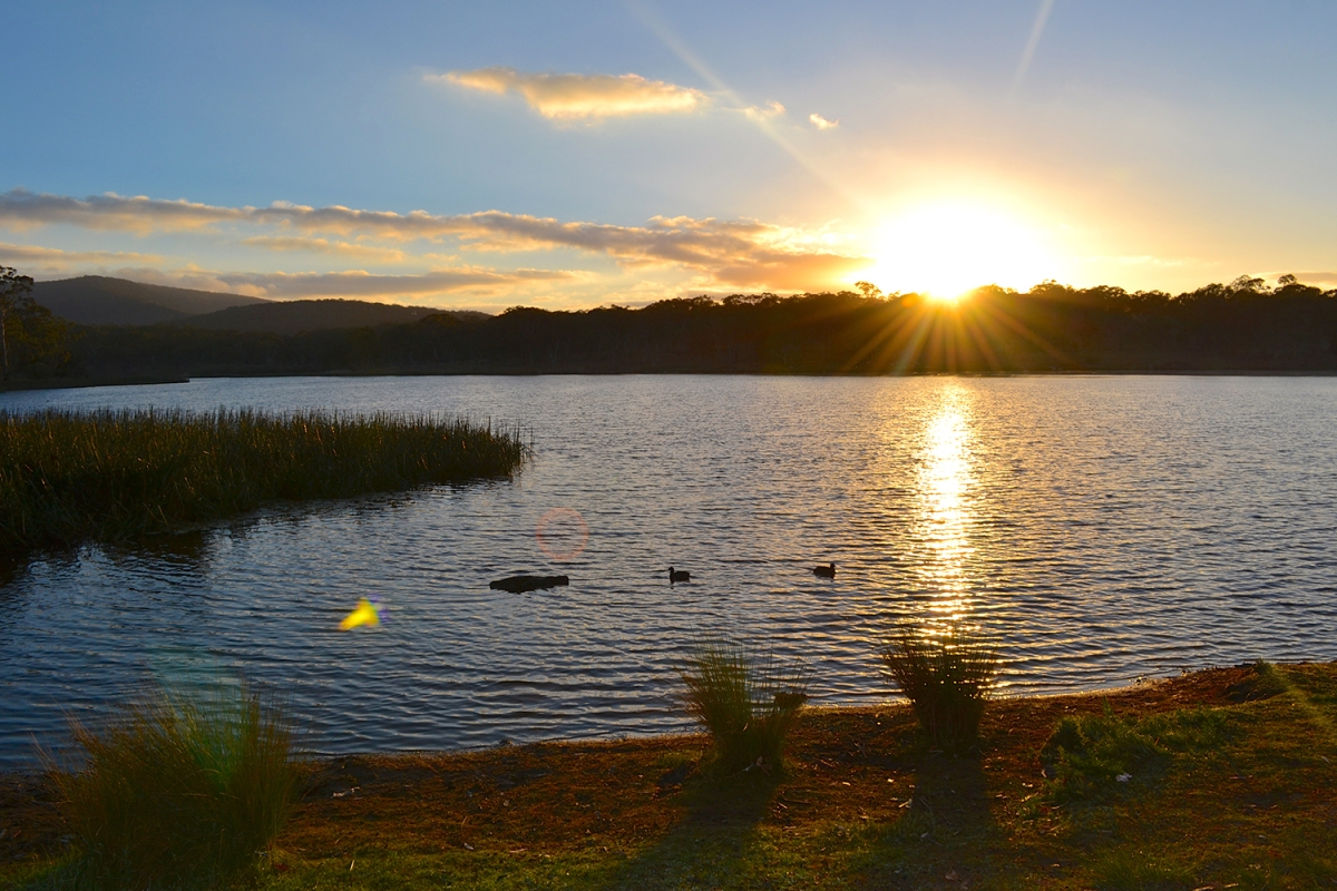 Dumaresq Dam at sunrise